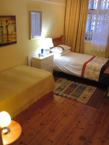 Guestroom - two beds 1